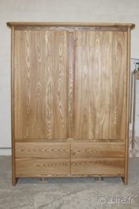 armoire 2 portes et 4 tiroirs orme massif