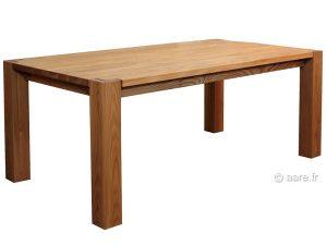 Vue de la table de salle à manger rectangulaire Artus en orme massif